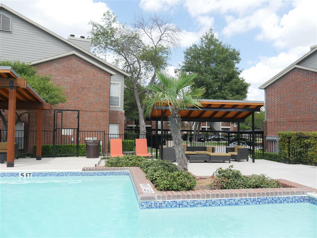 Poolside Sundeck at Veridian Place,4849 Haverwood Lane,Dallas, TX, 75289