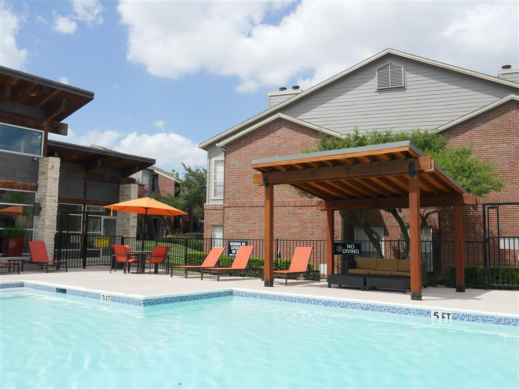 Resort-Style Zero-Entry Pool  at Veridian place, Dallas, TX