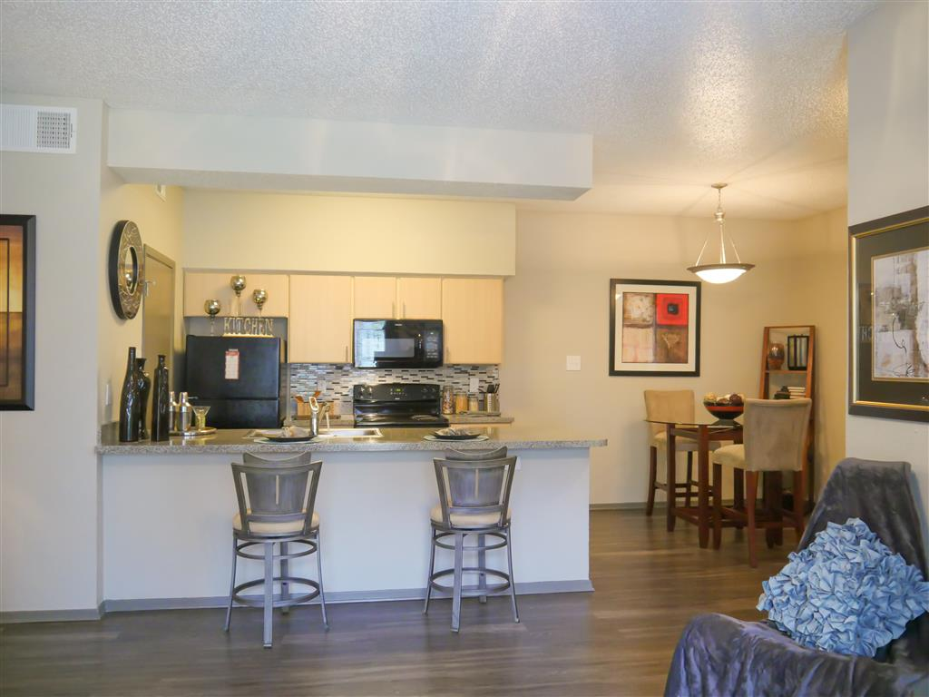 Eat-in Kitchens at  Veridian Place,4849 Haverwood Lane,Dallas, TX, 75289