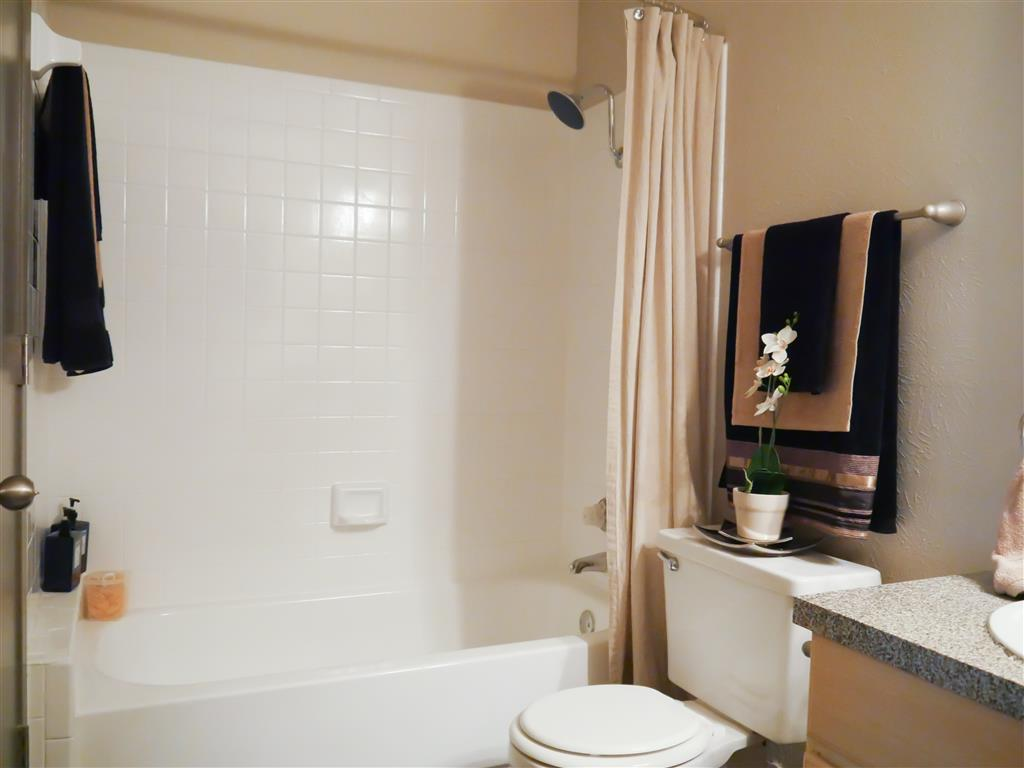 Spacious Bathrooms available at Veridian Place, Dallas , TX