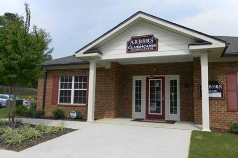 Arbors By The Bay leasing office exterior