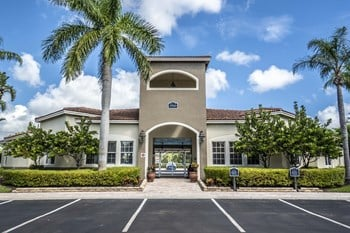 7700 Pine Lakes Boulevard 1 3 Beds Apartment For Rent P O Gallery 1