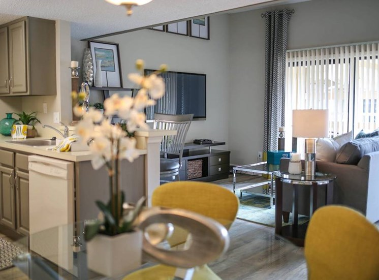 Sanford Landing Apartments, Sanford, FL 32771 open living room