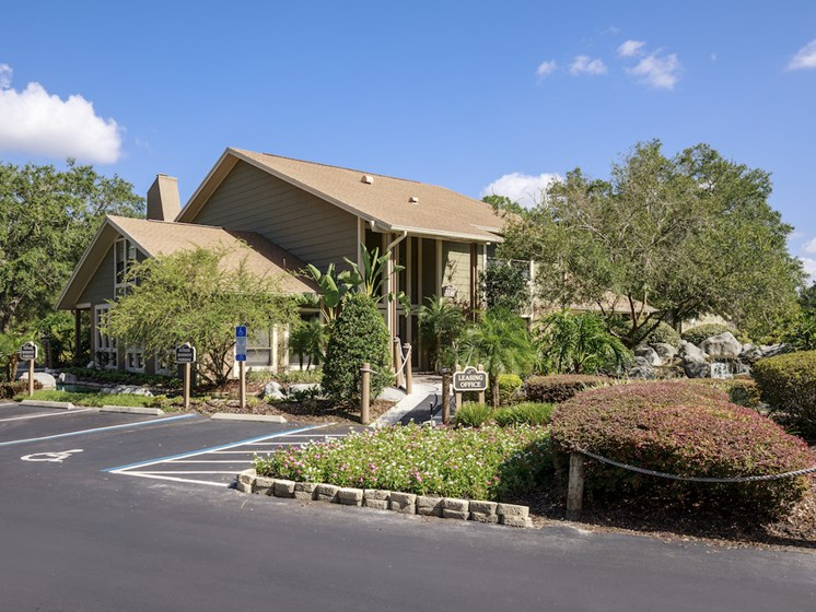 Whisper Lake Apartments in Winter Park, Florida 32792  clubhouse