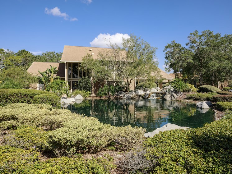 Whisper Lake Apartments in Winter Park, Florida 32792 clubhouse pond
