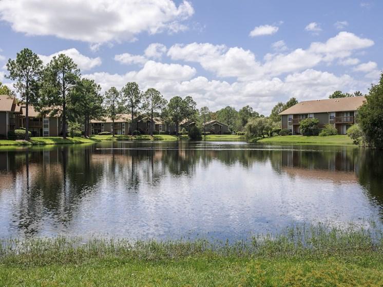 Whisper Lake Apartments in Winter Park, Florida 32792 lake view community