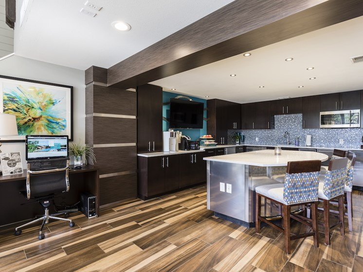 Whisper Lake Apartments in Winter Park, Florida 32792 resident lounge community kitchen