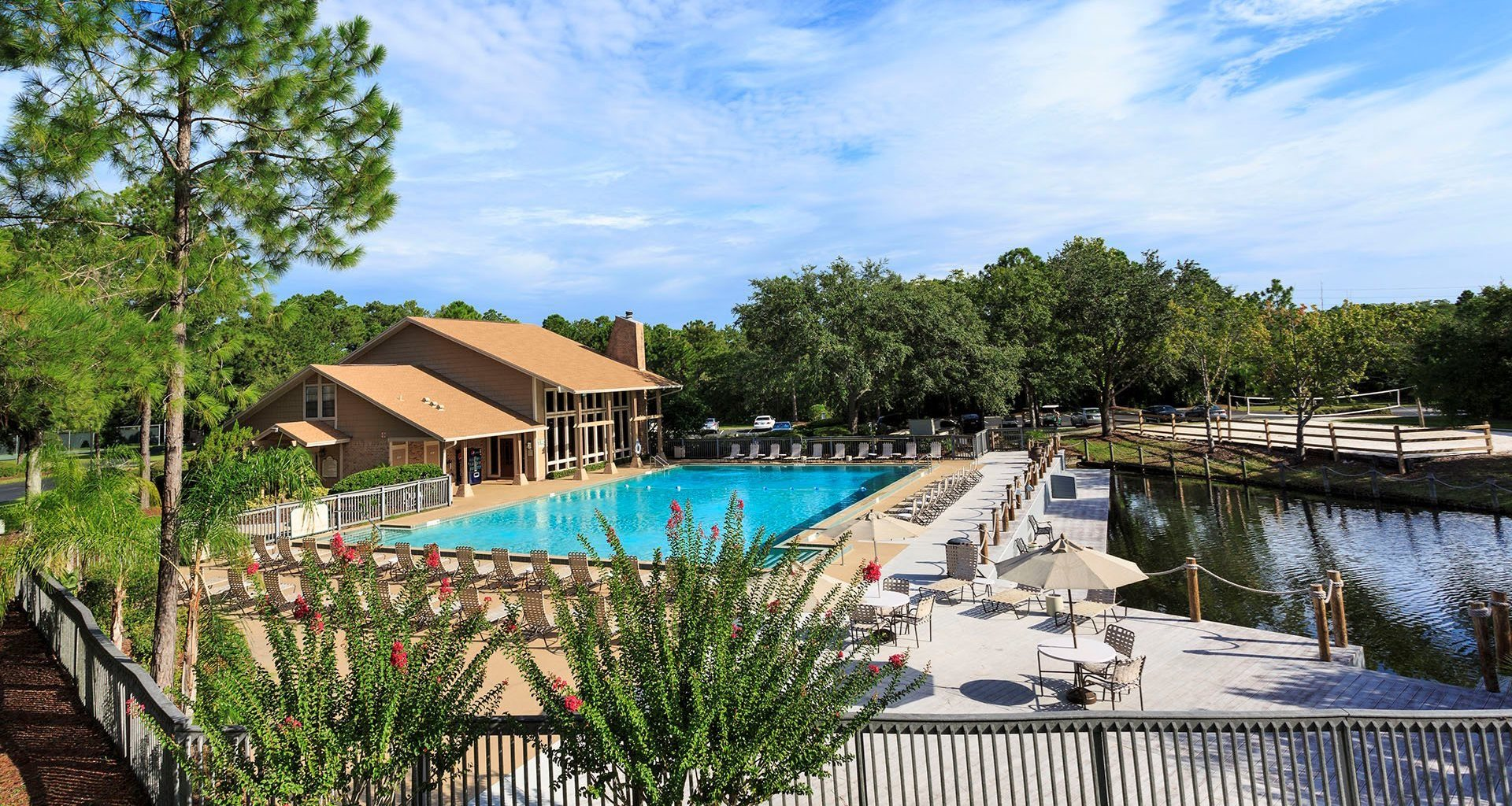 Whisper Lake apartments in winter park, orlando , florida  32792 olympic size pool by lake
