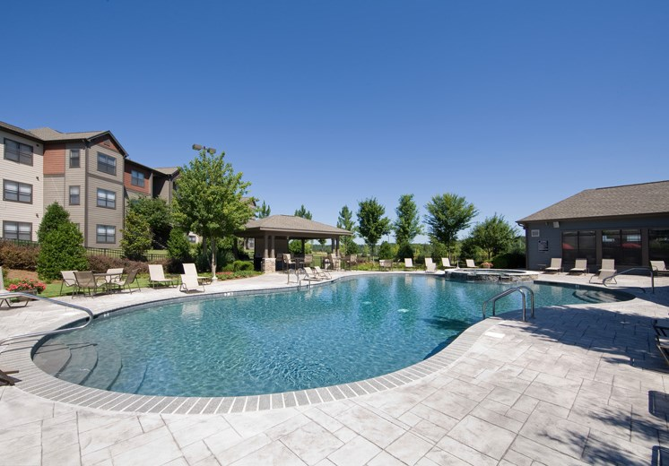 Bridgewater apartments in huntsville, al 35806 pool and sundeck