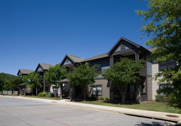 Bridgewater apartments in huntsville, al 35806 apartment complex exterior buildings