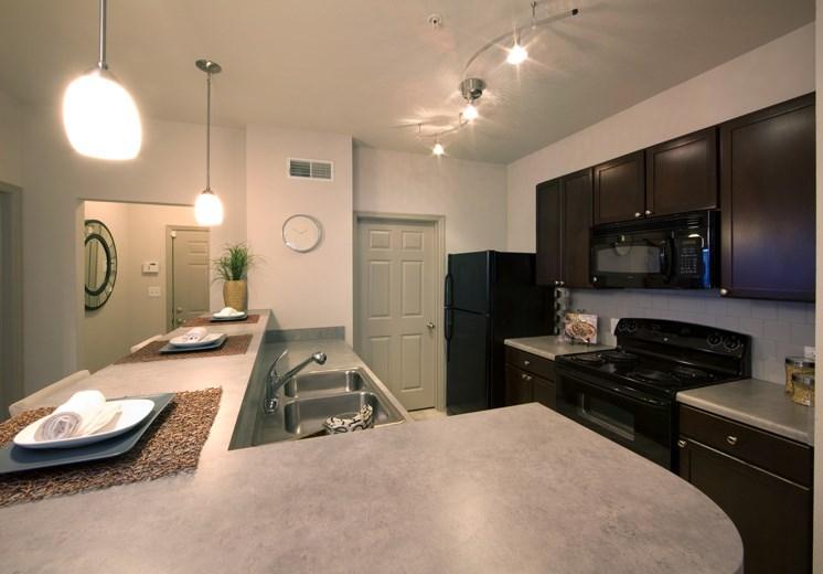 Bridgewater apartments in huntsville, al 35806 kitchen and bar