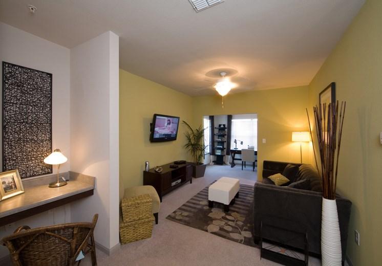 Bridgewater apartments in huntsville, al 35806 large living room