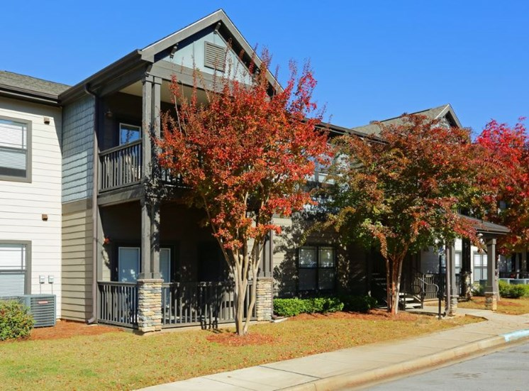 Bridgewater apartments in huntsville, al 35806 fall leaves and trees fall color