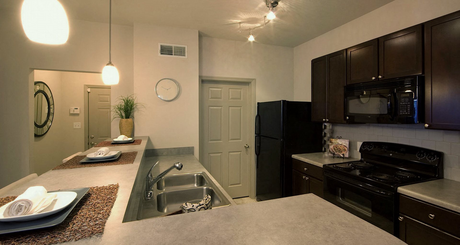 Bridgewater apartments in huntsville, al 35806 kitchen