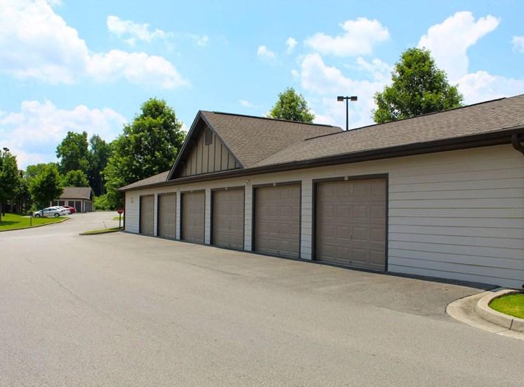 Bridgewater apartments in huntsville, al 35806 garages