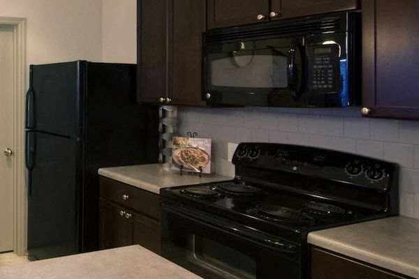 Bridgewater Apartment Homes Huntsville, AL 35806 black appliances