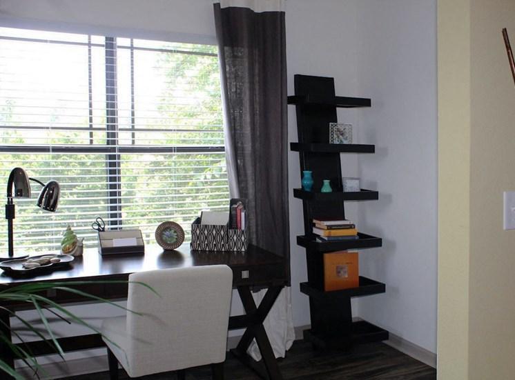 Bridgewater Apartments in Huntsville, Alabama desk nook