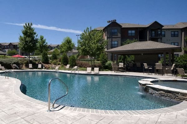 Bridgewater Apartment Homes Huntsville, AL 35806 resort style swimming pool with large aqua deck