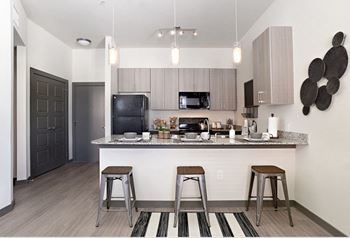 400 S Culberson 3 Beds Apartment for Rent Photo Gallery 1