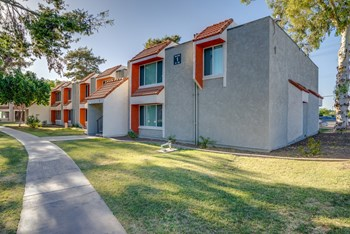 2141 East University Drive 1-3 Beds Apartment for Rent Photo Gallery 1