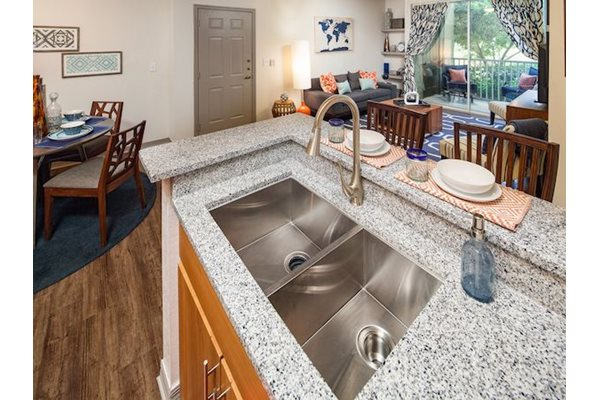 Legacy at Fort Clarke apartments in Gainesville, Florida 32606 granite countertops