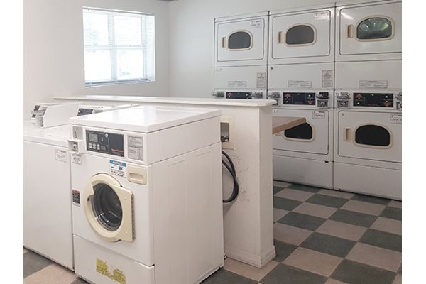 Legacy at Fort Clarke apartments in Gainesville, Florida 32606 laundry facility on-site