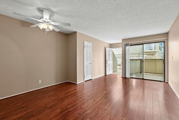 10101 DeSoto Avenue 1-2 Beds Apartment for Rent Photo Gallery 1
