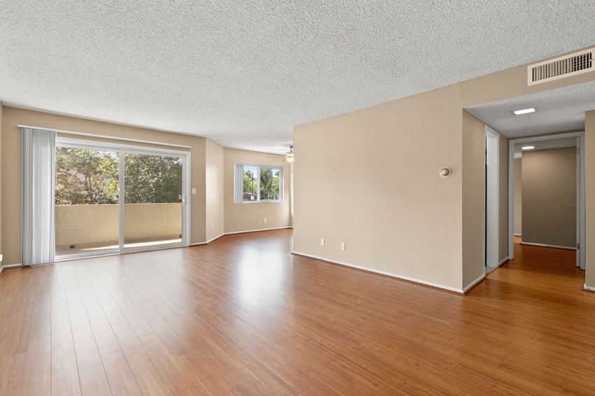 Apartments for rent in Woodland Hills Two bedroom