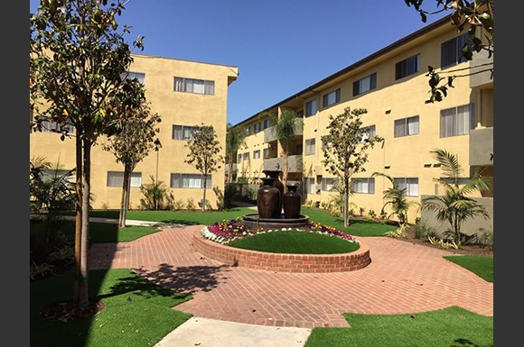 Lombardi Apartments Woodland Hills Ca