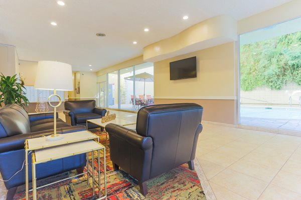 Encino Apartments Community Lobby