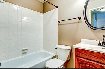 2211 13Th Ave N 1-3 Beds Apartment for Rent Photo Gallery 1