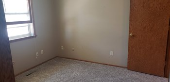 2201 13Th Ave North 2 Beds Apartment for Rent Photo Gallery 1