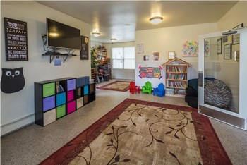 6641 Hampstead Drive 2-3 Beds Apartment for Rent Photo Gallery 1