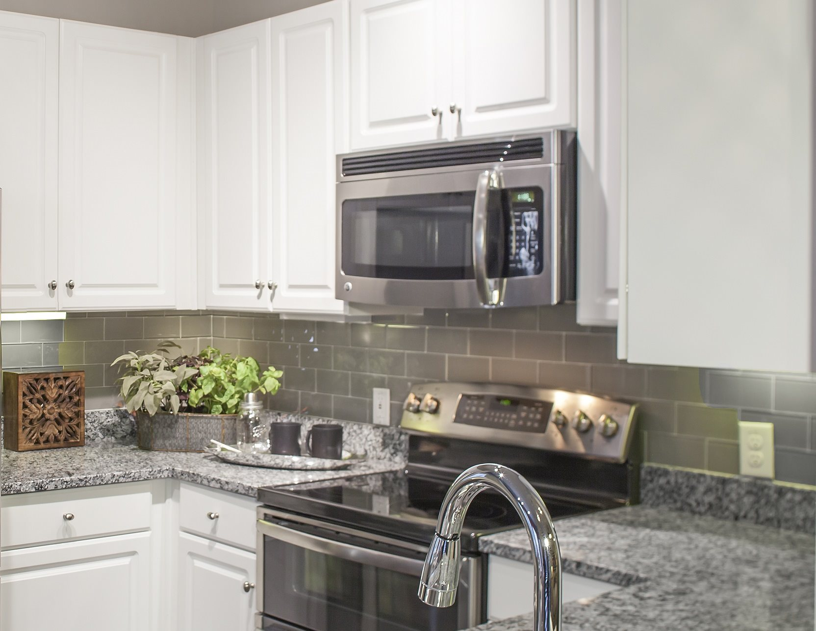 Stainless Steel GE Energy Star Appliances at Touchstone Modern Apartment Homes, 11996 Ridge Parkway, CO 80021