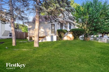 425 Judson St 3 Beds House for Rent Photo Gallery 1