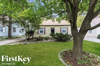 28w700 Warrenville Rd 3 Beds House for Rent Photo Gallery 1