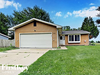 35w941 Crispin Dr 3 Beds House for Rent Photo Gallery 1