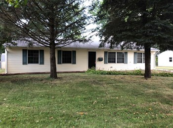 127 Saugatuck Rd 3 Beds House for Rent Photo Gallery 1