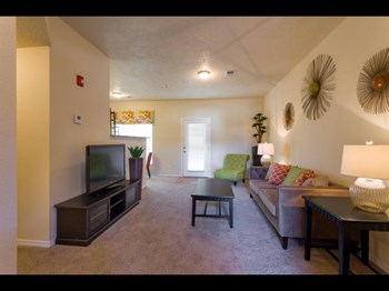 532 Cancun Loop, 2-3 Beds Apartment for Rent Photo Gallery 1