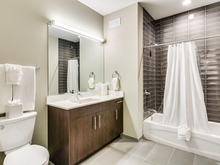 851 West Grand Model Apartment Bathroom Photo