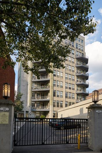 142-144 STEUBEN STREET 2-4 Beds Apartment for Rent Photo Gallery 1