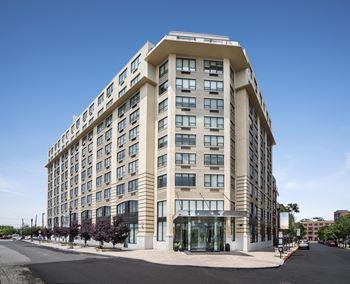 Downtown Jersey City Apartments for Rent - Jersey City, NJ | RENTCafé