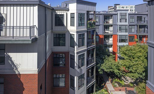 Aerial View of Kearney Plaza Apartments in Portland, Oregon
