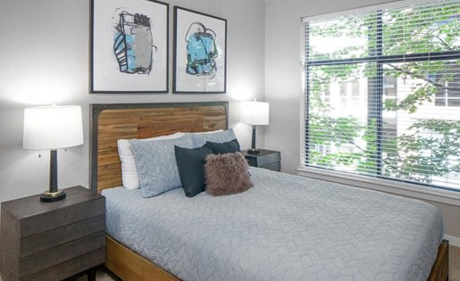 Bedroom Interiors at Kearney Plaza Apartments in Portland, Oregon