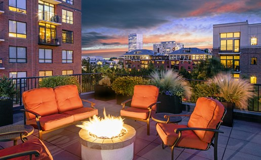 Fire Pit With View at Kearney Plaza Apartments in Portland, Oregon