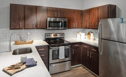Fully-Equipped Kitchen at Kearney Plaza Apartments in Portland, Oregon