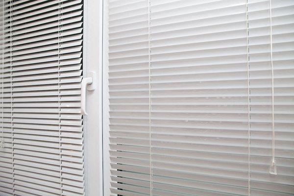 Clarendon Court Arlington, VA Mini Blinds