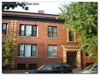 1600-14 W. Belle Plaine 2-3 Beds Apartment for Rent Photo Gallery 1