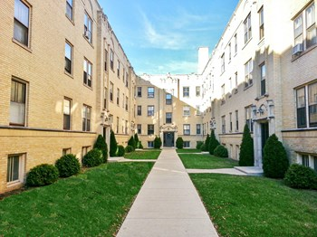 4600-06 N. Winchester / 1940-54 W. Wilson Studio-2 Beds Apartment for Rent Photo Gallery 1