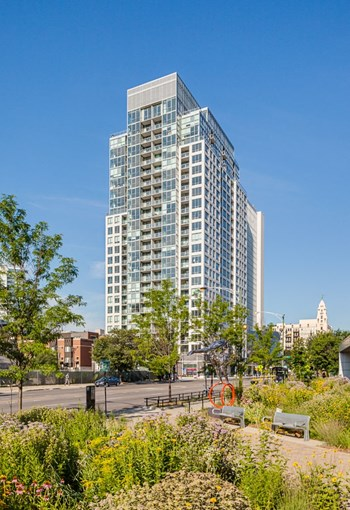 750 N. Hudson Ave 1-3 Beds Apartment for Rent Photo Gallery 1